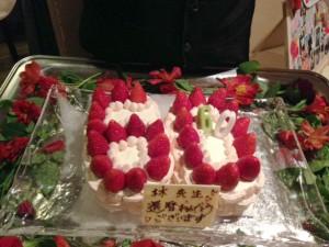 こんなケーキまで!!